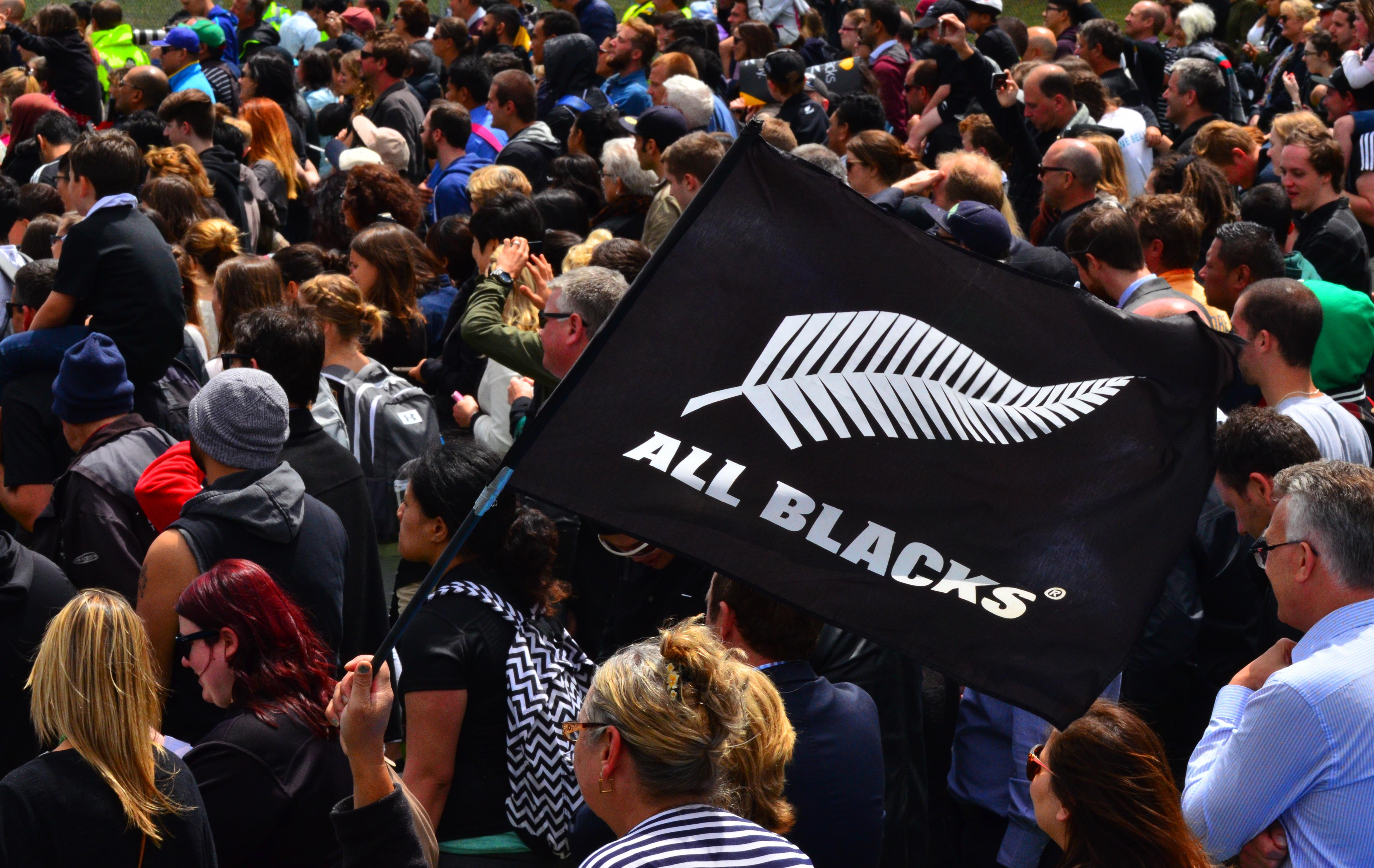 All blacks 47907714_xxl